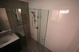bathroom-hillside-2