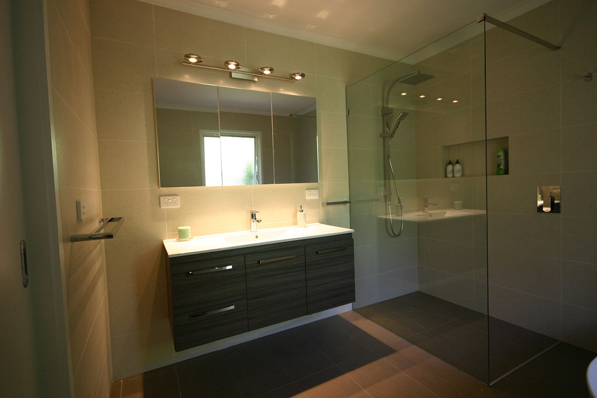 bathroom-montmorency-1